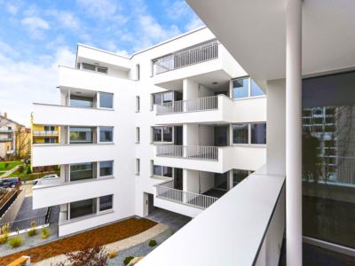 Burgkstraße 1 in Dresden – Balkon im Garten mit Blick zur Seite
