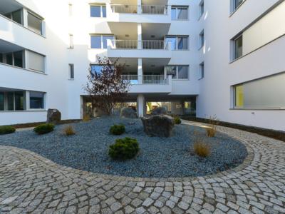 Burgkstraße 1 in Dresden – angelegter japanischer Steingarten