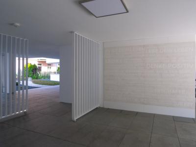 Burgkstraße 1 in Dresden – Eingangsbereich mit FIRA®-Motto