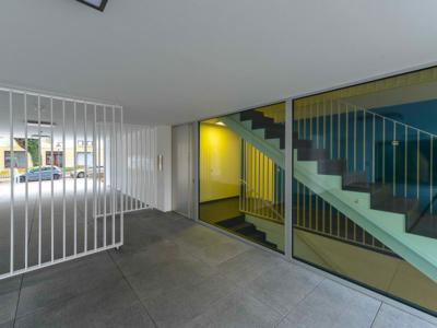Burgkstraße 1 in Dresden – Weg mit Blick in das Treppenhaus