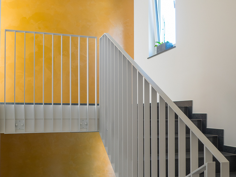 Chausseehausstraße 1 in Dresden – zeitloses Design der Treppe