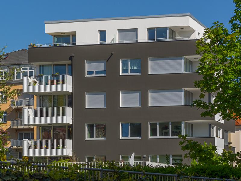 Chausseehausstraße 1 in Dresden – Feng-Shui-Hausseite mit Balkonen