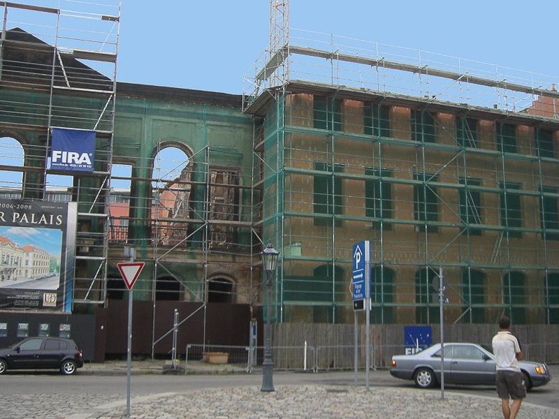Kurländer Palais – Einhüllung der Fassade